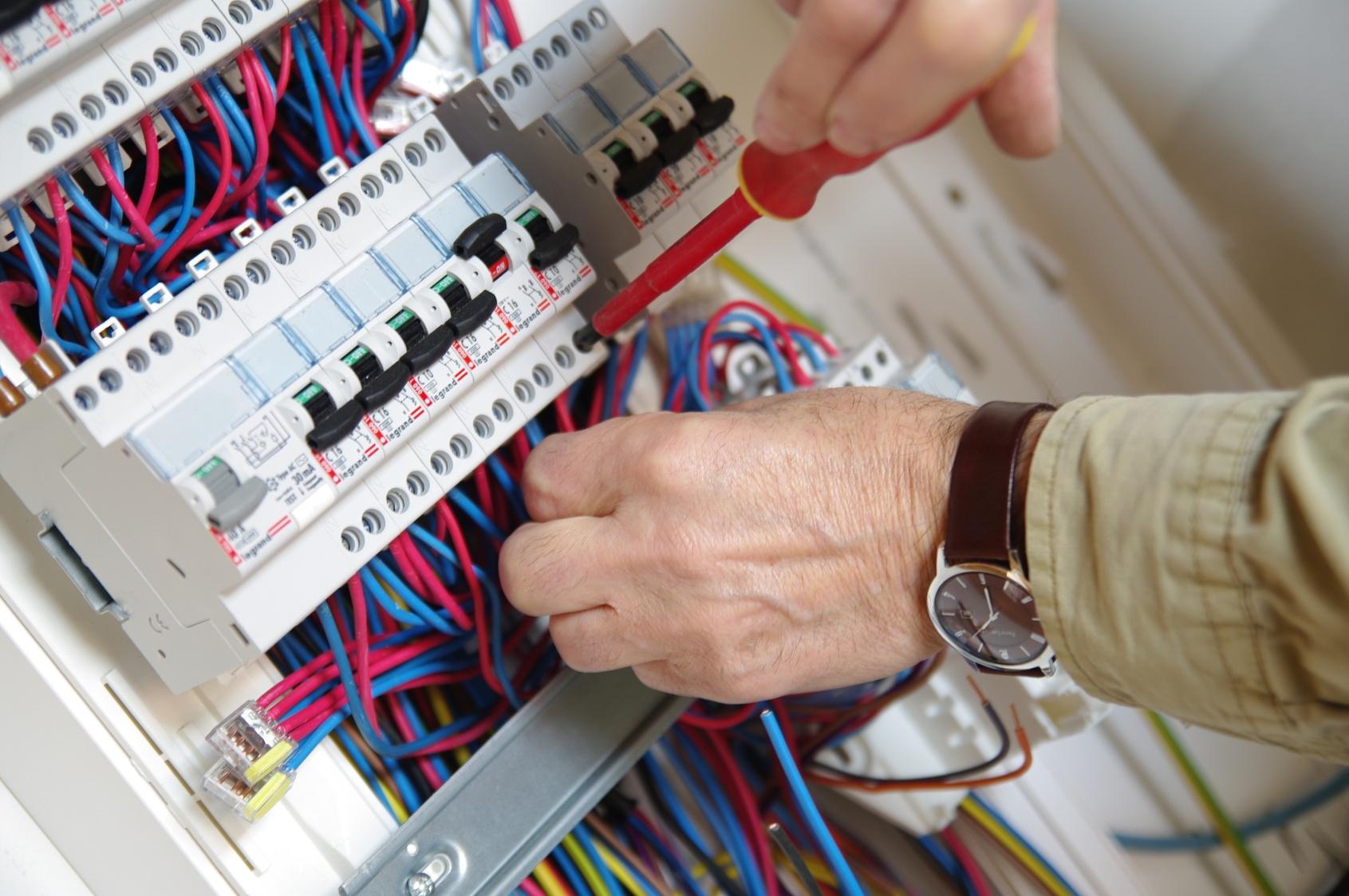 Installations et remise en conformité électrique à Paris 75