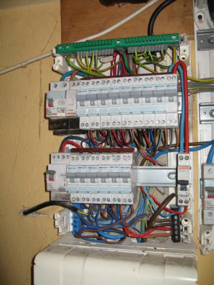 Comment réaliser un système électrique domestique ?